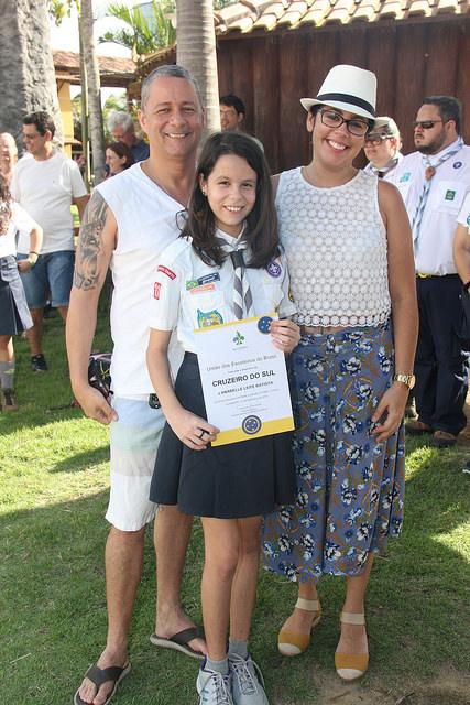 Anabelle recebendo o Cruzeiro do Sul