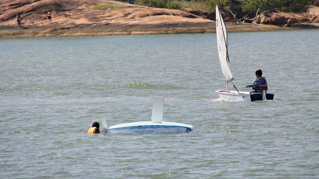 Aprendendo a desvirar o barco